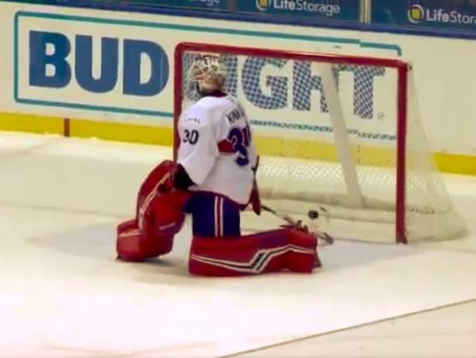 Montreal Canadiensin Keith Kinkaidilta karmea moka AHL:ssä: yhdysvaltalaisvahti sukeltaa todella syvissä vesissä.