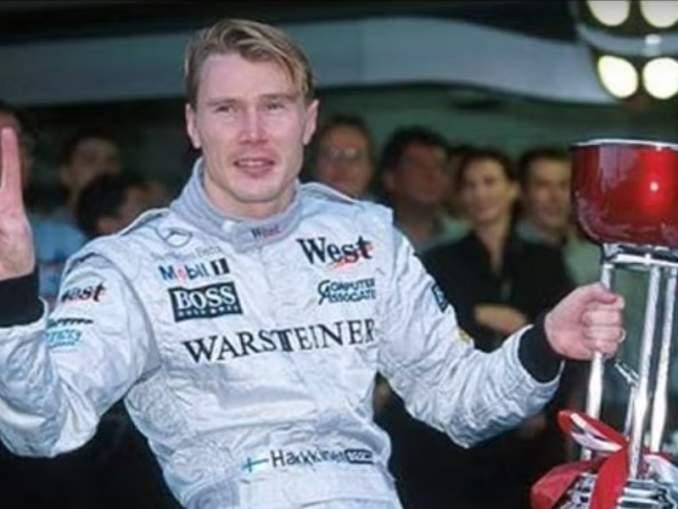 Mika Häkkinen muisteli ensimmäistä F1 kokemustaan Twitter-tilillään. Kaksinkertainen maailmanmestari ajoi ensitestit F1:ssä tasan 30 vuotta sitten.