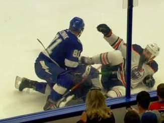 Edmonton Oilersin Zack Kassian potkaisi Tampa Bay Lightningin Erik Cernakia luistimella rintakehään ja edessä täytyy olla todella pitkä pelikielto.