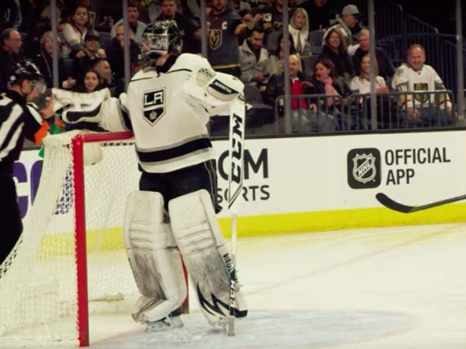 Toronto Maple Leafs teki merkittäviä hankintoja Los Angeles Kingsistä, vahvistaen sekä maalivahti- että hyökkäysosastoaan.