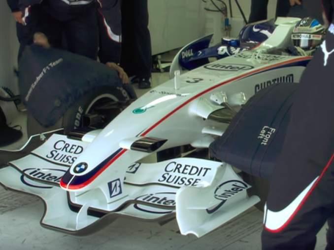 Autovalmistajat hyljeksivät F1-sarjaa; vetovoimaa ei tunnu olevan, kiitos vanhentuneen moottoriteknologian.