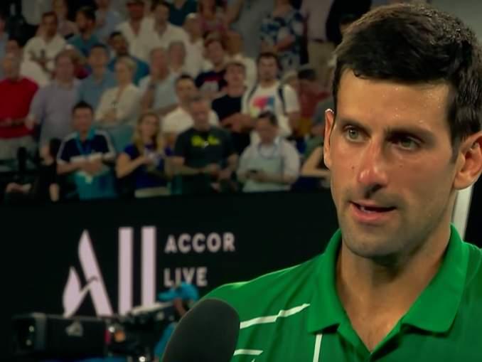 Novak Djokovic kuumeni tuomarille Australian avointen finaalissa ja haistatteli yleisölle.