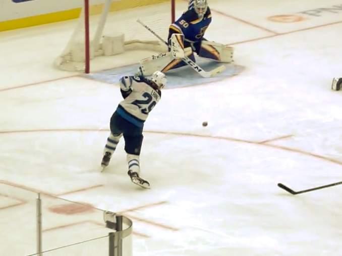 Patrik Laine nousi harvalukuiseen ja todella kovaan kerhoon, kun hän iski NHL-uransa 130. runkosarjamaalin.