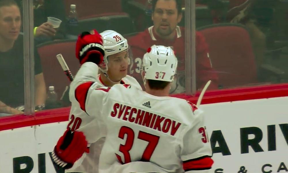 Sebastian Ahon maalitehtailu sen kuin jatkuu, tällä kertaa Arizona Coyotesin kustannuksella, ja suomalainen hätyyttelee jo NHL:n maalipörssin kärkisijoja.