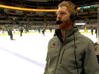 NHL:ssä hätäapuna San Jose Sharksin kotiotteluissa toimiva amatöörivahti Matt Moody kertoi yksityiskohtia siitä, millainen on amatöörivahdin ottelupäivä.