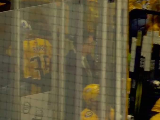 Pekka Rinne lohduton näky kahdeksan päästetyn maalin jälkeen: onko aika huipulla ohi?