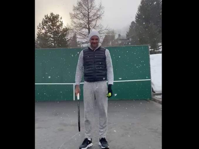 Tennistähti ei olosuhteista välitä ja harjoittelu jatkuu vaikka lunta tulisikin, nimittäin Roger Federer löi temppulyöntejä hirmuisessa lumisateessa.