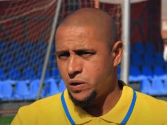 Roberto Carlos avasi Real Madrid-siirtoaan.