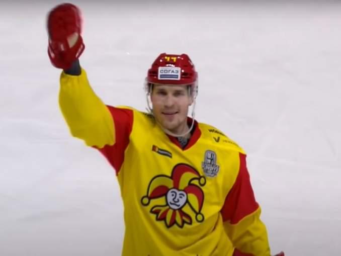 Mikko Lehtonen ja Jokerit purkivat sopimuksensa, joten tämä tarkoittanee että puolustajaa hivutellaan rapakon toiselle puolelle.