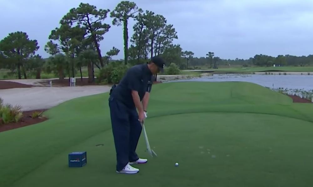 Tom Bradylta mieletön lyönti golfturnauksessa Floridassa. Supertähdet pelasivat hyväntekeväisyys turnauksen viime sunnuntaina.