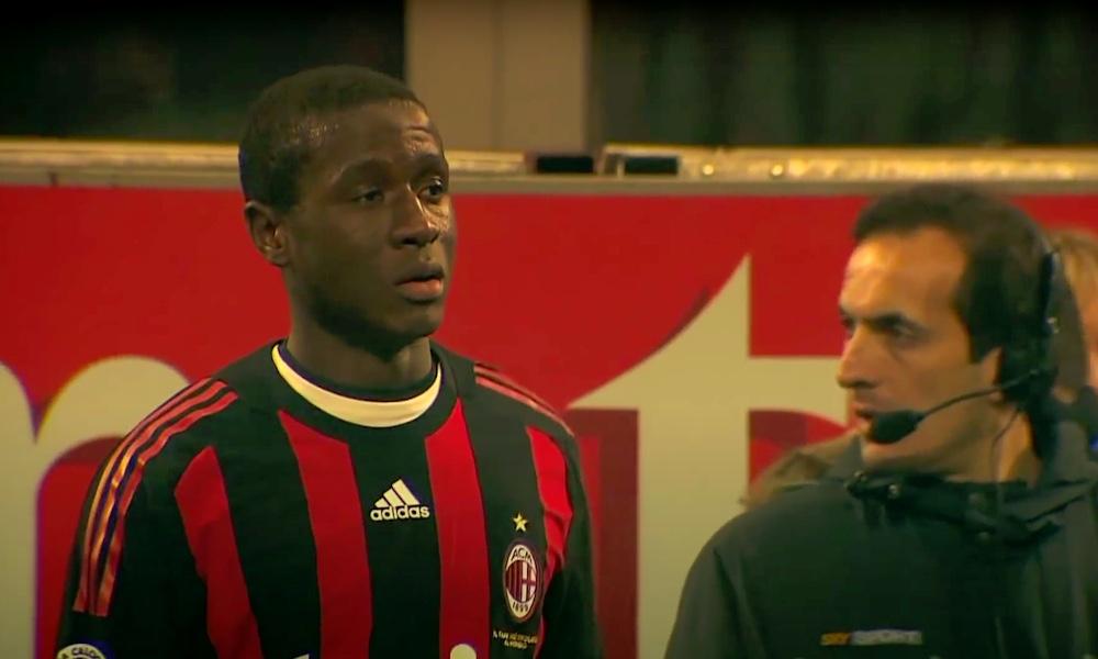 Zlatan potkaisi AC Milanin treeneissä nykyisin Suomessa pelaavaa Rodney Strasseria, joka paljastaa nyt, mitä tilanteessa ihan oikeasti tapahtui ja mistä siinä oli kyse.