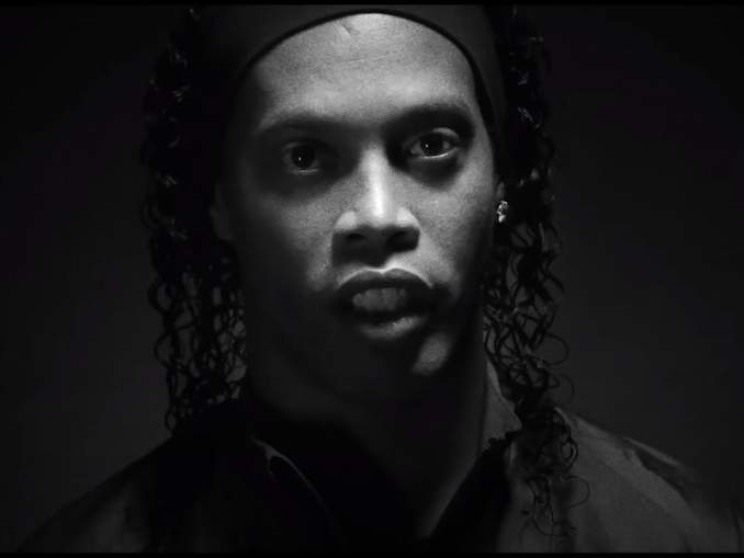 Cáceres: Ronaldinhon loukkaannuttamisesta tarjottiin rahaa.
