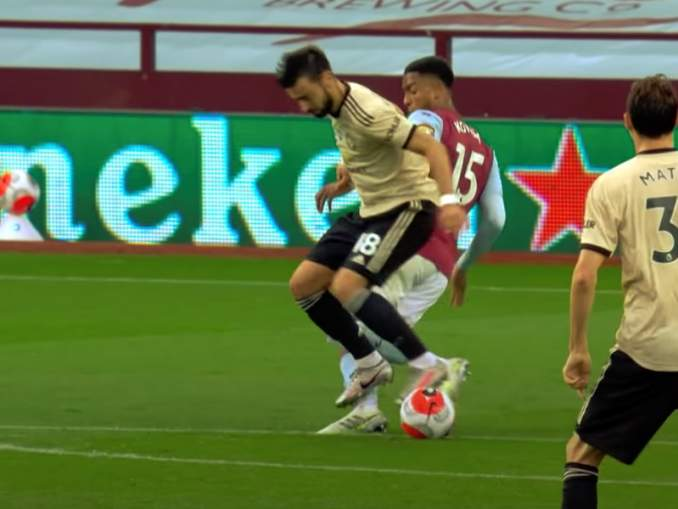 VAR lahjoitti ManU:lle rankkarin ottelussa Aston Villaa vastaan, mistä syntyi myös ottelun voittomaali.