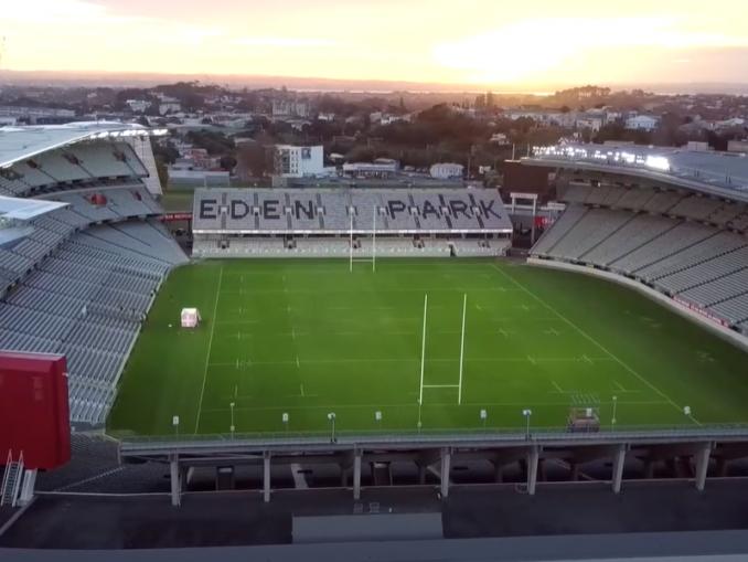 VIDEO: Urheilu ja esports yhdistyvät tällä areenalla - katso upeat tilat   Urheiluvedot.com