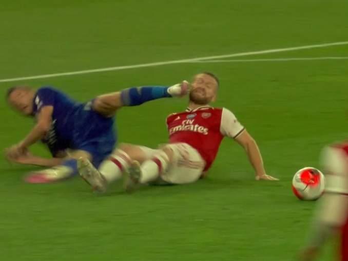 Olisiko Jamie Vardyn kuulunut saada punainen kortti ottelussa Arsenalia vastaan, kun hänen nappulansa osuivat Shokdran Mustafia kasvoihin.