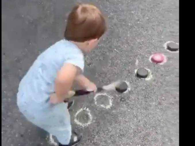 Alexander Ovechkinin poika on maalintekijä. Venäläistähden Sergei-pojasta julkaistu tuore video ihastuttaa sosiaalisessa mediassa.