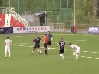 Entinen Venäjän maajoukkuepelaaja kilahti täysin, kun hän ei innostunut ottelun tuomarin antamasta tuomiosta amatööriturnauksessa.