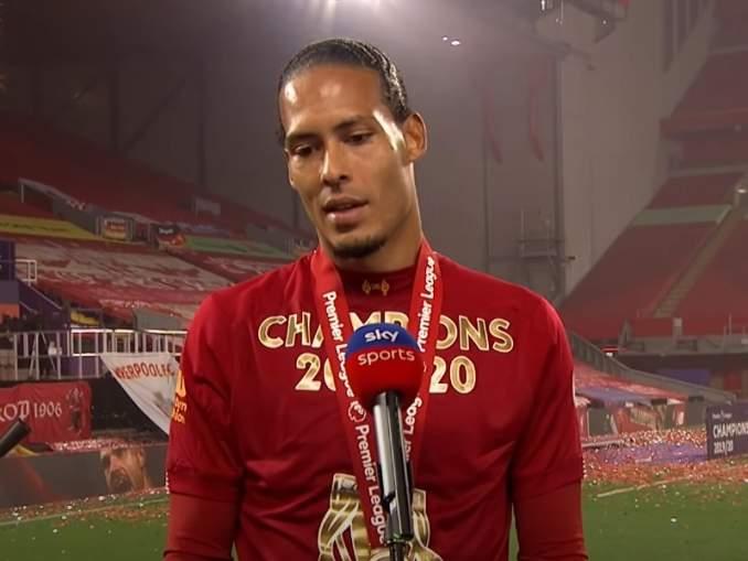 Virgil van Dijk ainoa Liverpool-pelaaja Euroopan Team of the Seasonissa.