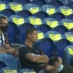 Cristiano Ronaldo piti maskiaan penkillä - Käskettiin pukemaan se.
