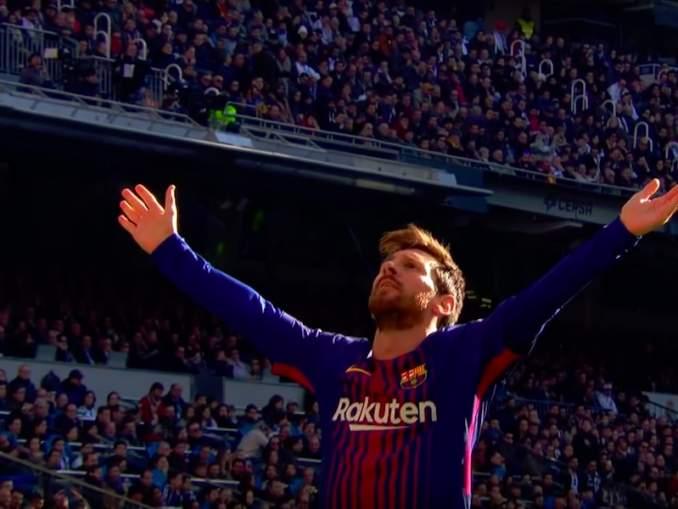 Lionel Messi iski kaksi upeaa maalia, kun hän pelasi ensimmäisen ottelunsa siirtopyyntönsä jälkeen.