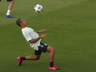 Thiago Alcantara esitteli maagisia pallonhallintataitojaan, kun Espanjan jalkapallomaajoukkue valmistautuu Kansojen liigan otteluihin.