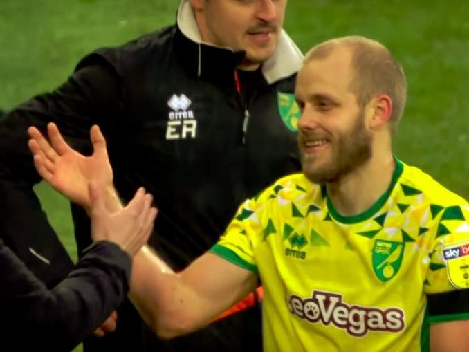 Norwichin manageri kyllästyi Teemu Pukki -kysymyksiin, joita hänelle esitetään jatkuvasti.