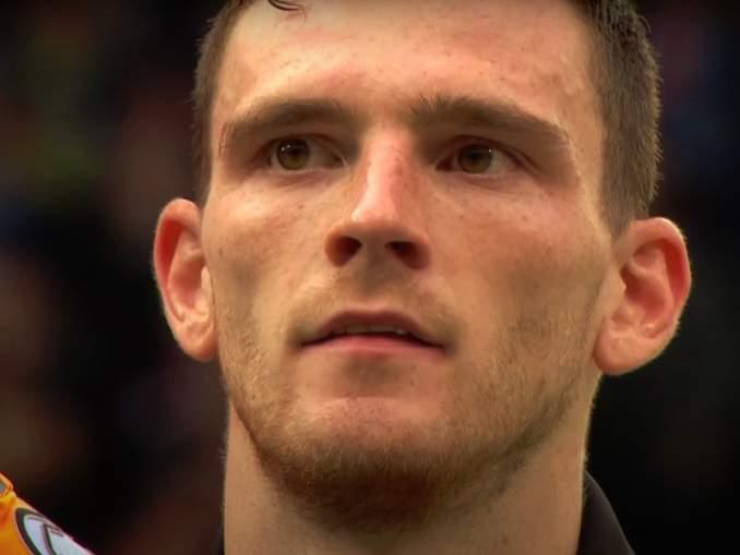 Liverpoolin koko puolustuslinja lasaretissa: viimeisimpänä loukkaantui Andy Robertson, Skotlannin maajoukkueen matkassa.