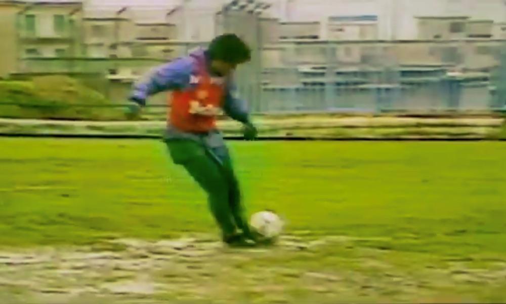 Diego Maradona rakasti jalkapalloa ja jalkapallo rakasti Diego Maradonaa.
