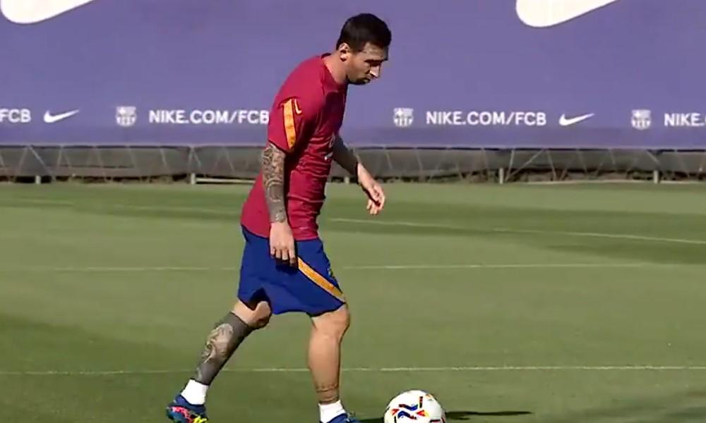 Yksin jäänyt Lionel Messi on murheen murtama.