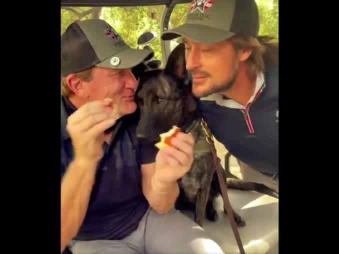 Teemu Selänteestä huikea video: Jeremy Roenick syöttää suomalaislegendalle herkkupalan!