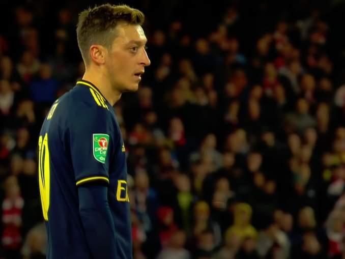 Mesut Özil siirtymässä Juventukseen tammikuussa? Arsenalin ja Juventuksen kerrotaan käyvän neuvotteluita.